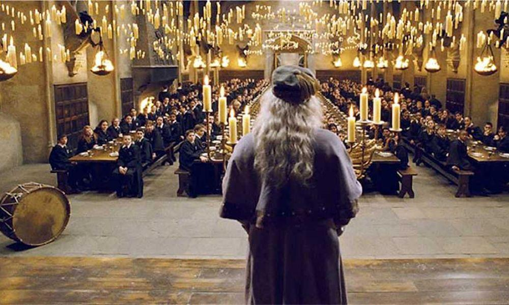 Your Family Could Have Christmas Dinner in Hogwarts Great Hall