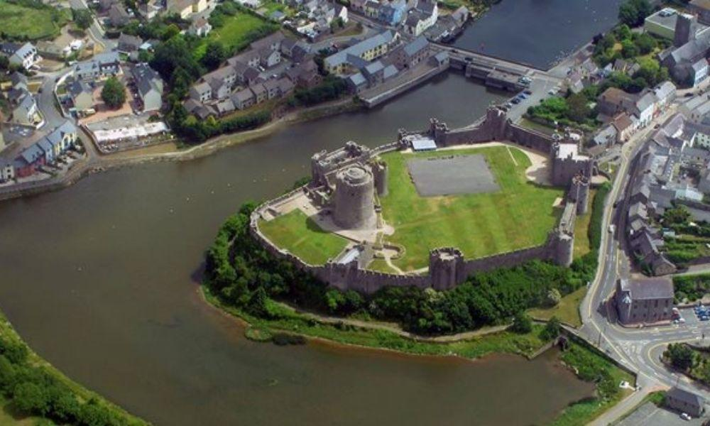 Gunpowder, Treason and Plop at Pembroke Castle