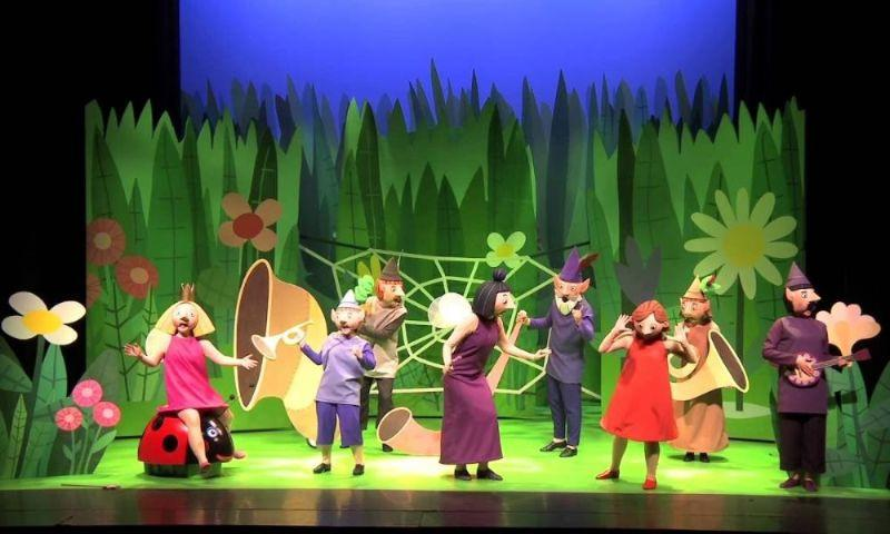 WHATS ON IN SWANSEA Ben and Hollys Little Kingdom Live on Stage at Swansea Grand Theatre