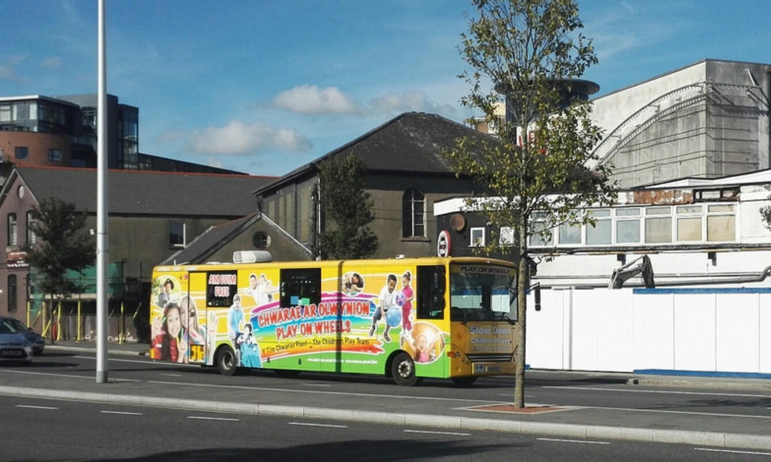 Swansea Play Bus in Scurlage